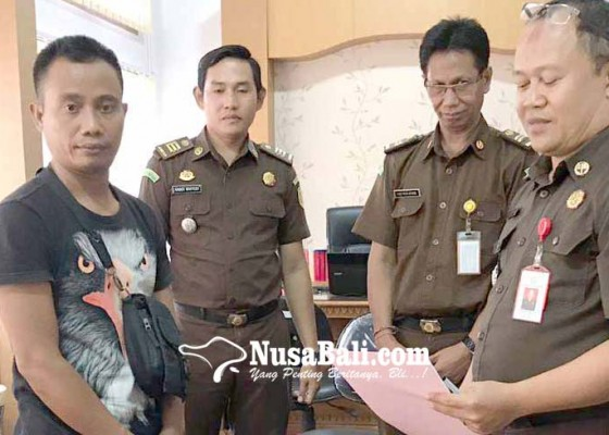 Nusabali.com - eks-bendahara-kembalikan-uang-rp-778-juta