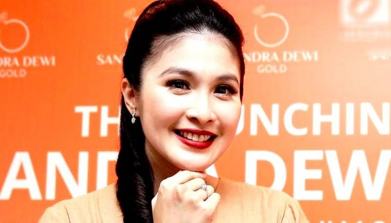 www.nusabali.com-sandra-dewi-bikin-iri-netizen