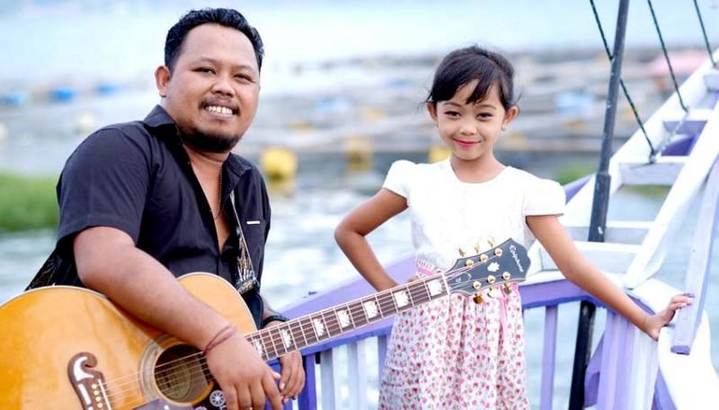 www.nusabali.com-dgo-vaspa-duet-dengan-sang-anak