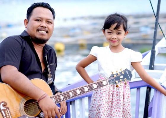 Nusabali.com - dgo-vaspa-duet-dengan-sang-anak