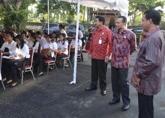 Nusabali.com - peserta-cpns-bali-diminta-jangan-percaya-jimat