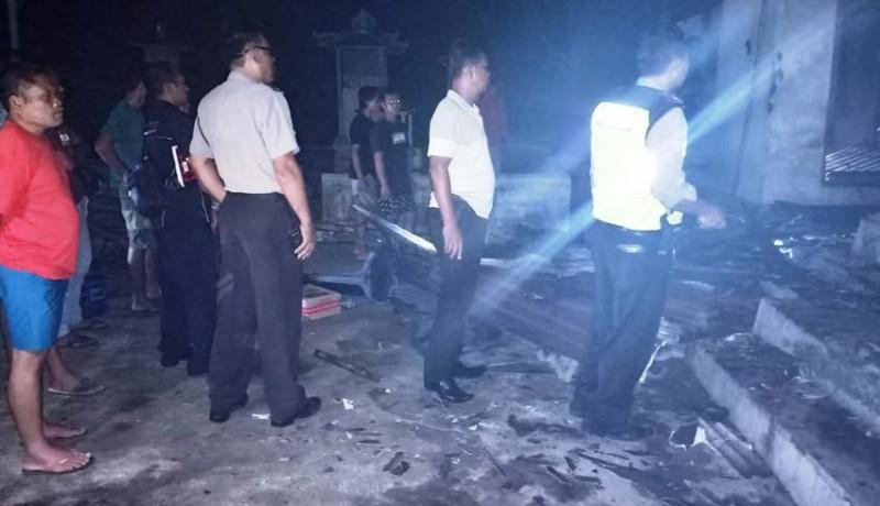 www.nusabali.com-diduga-karena-korsleting-rumah-ludes-terbakar