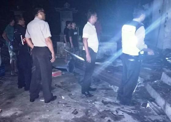 Nusabali.com - diduga-karena-korsleting-rumah-ludes-terbakar