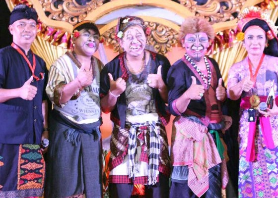 Nusabali.com - clekontong-mas-hibur-krama-bali-di-bogor