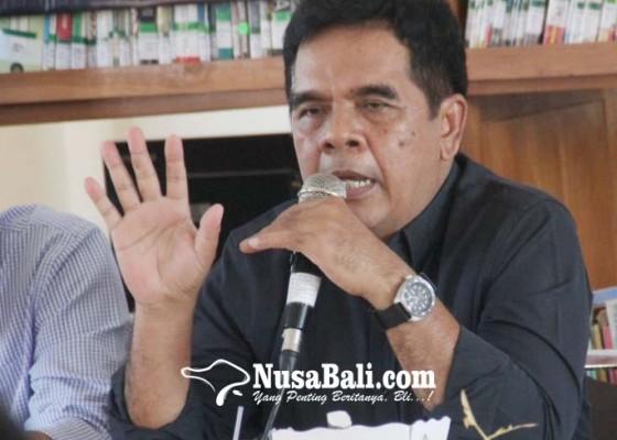 Nusabali.com - rektor-unipas-terbitkan-rakyat-bukan-papan-begesting