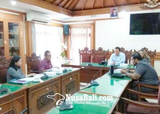 Nusabali.com - dewan-mengeluh-dicuekin-saat-hadiri-acara-pemkot