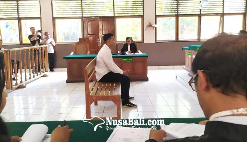 www.nusabali.com-cewek-dilirik-mahasiswa-main-pukul