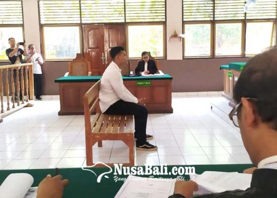Nusabali.com - cewek-dilirik-mahasiswa-main-pukul