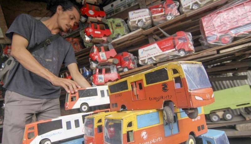 www.nusabali.com-kerajinan-mobil-mobilan