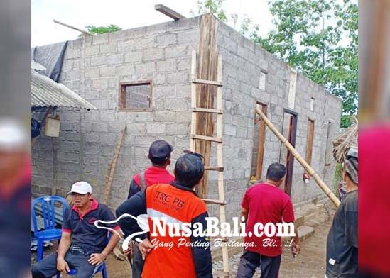 Nusabali.com - puting-beliung-hantam-buleleng-tiga-rumah-porak-poranda
