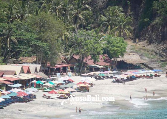 Nusabali.com - sumbang-ke-desa-adat-rp-80-juta-rp-200-jutabulan