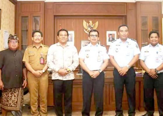 Nusabali.com - suyasa-terima-audiensi-kepala-rumah-detensi-imigrasi-denpasar