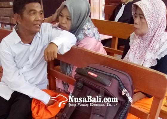 Nusabali.com - divonis-4-tahun-sopir-travel-menangis