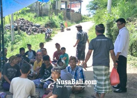 Nusabali.com - usai-kepergok-curi-ayam-tewas-gantung-diri