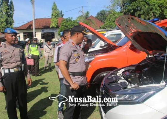 Nusabali.com - 3-unit-kendaraan-operasional-polres-rusak-berat