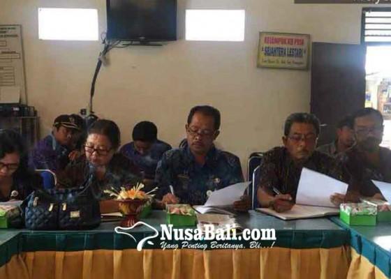 Nusabali.com - pkk-desa-muncan-diadu-masatua-dan-nyurat-aksara