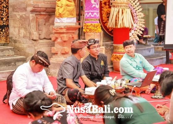 Nusabali.com - bulan-bahasa-bali-2020-ajak-masyarakat-belajar-nyurat-prasi