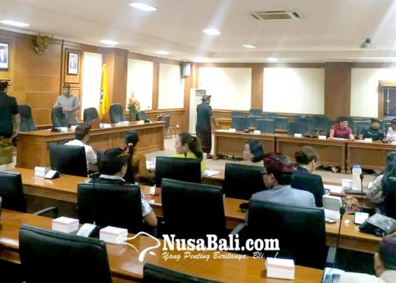 Nusabali.com - bahas-tatib-rapat-paripurna-intern-dprd-berlangsung-alot
