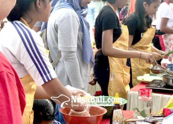 Nusabali.com - 7-tim-sma-beradu-masak-gunakan-kompor-induksi