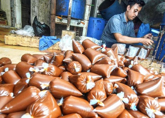 Nusabali.com - produksi-saos-sambal-terkendala-cabai