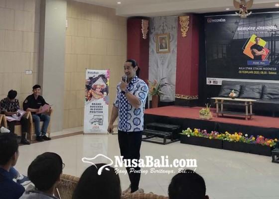 Nusabali.com - ade-rai-berbagi-healthy-living-priorities-di-kampus-stiki-indonesia