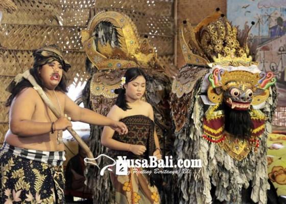 Nusabali.com - ngebanyol-siswa-smp-kocok-perut-penonton