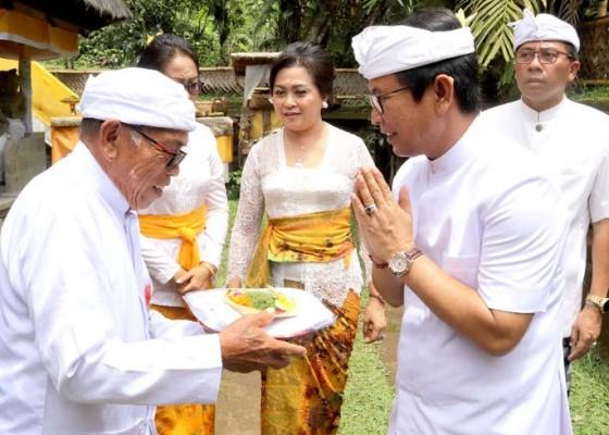 Nusabali.com - sekda-adi-arnawa-hadiri-upacara-tawur-agung-pura-luhur-batukau