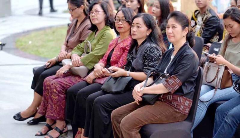 www.nusabali.com-fashion-show-teruna-teruni-denpasar-2020
