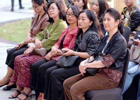 Nusabali.com - fashion-show-teruna-teruni-denpasar-2020