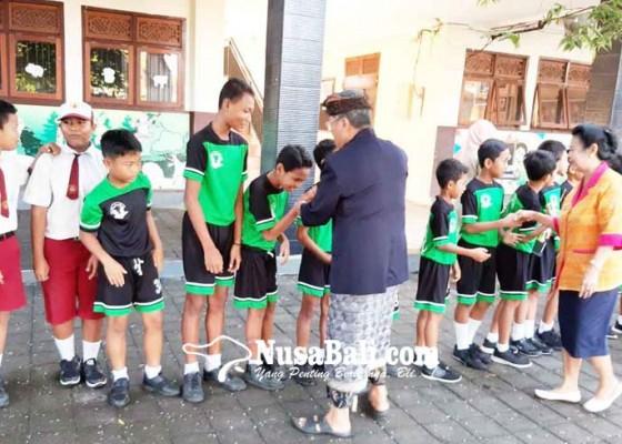 Nusabali.com - sd-pelangi-dharma-nusantara-raih-juara-futsal-se-kota-denpasar