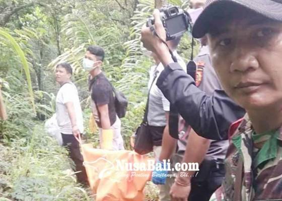 Nusabali.com - mayat-membusuk-ditemukan-di-lereng-gunung-agung