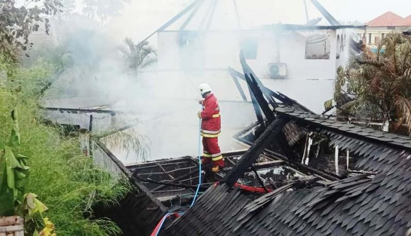 www.nusabali.com-vila-dan-gudang-di-pererenan-terbakar-kerugian-diperkirakan-rp-15-miliar