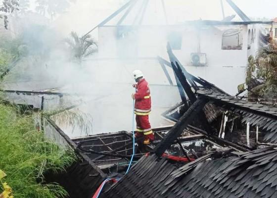 Nusabali.com - vila-dan-gudang-di-pererenan-terbakar-kerugian-diperkirakan-rp-15-miliar