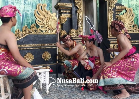 Nusabali.com - siswa-smpn-1-pentaskan-drama-berbahasa-bali