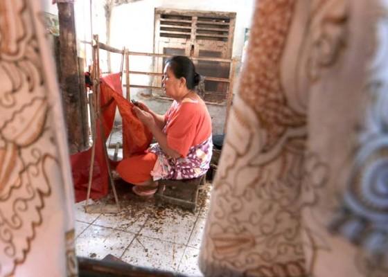 Nusabali.com - ancaman-kepunahan-batik-tradisional