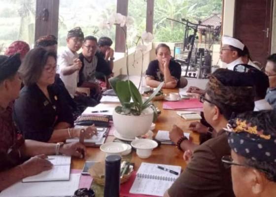 Nusabali.com - daging-babi-masih-aman-dikonsumsi-bupati-minta-masyarakat-jangan-panik