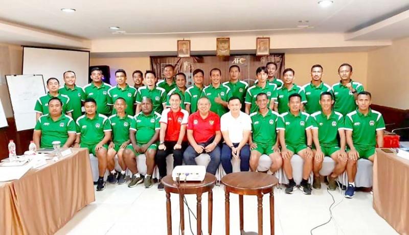 www.nusabali.com-24-pelatih-ikuti-kursus-lisensi-b-afc