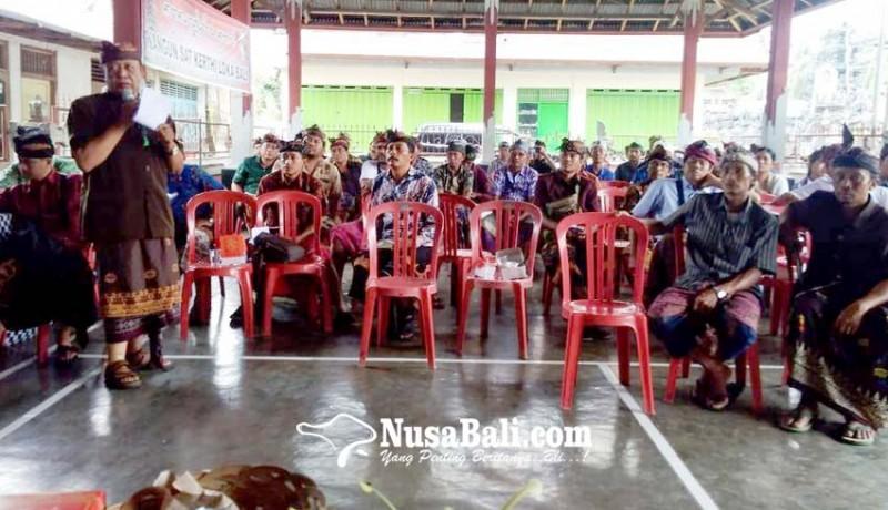 www.nusabali.com-prajuru-adat-kubutambahan-dalami-perda-4-dan-34