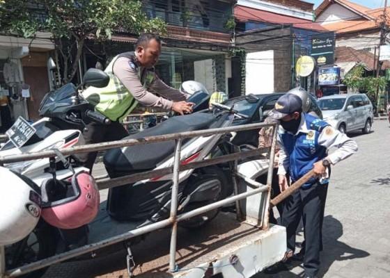 Nusabali.com - parkir-liar-di-ubud-terus-ditertibkan