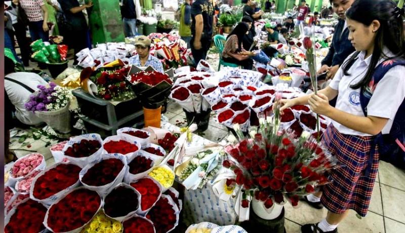 www.nusabali.com-harga-bunga-mawar-naik-jelang-valentine