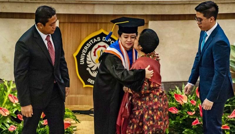 www.nusabali.com-puan-maharani-terima-gelar-doktor-honoris-causa-undip
