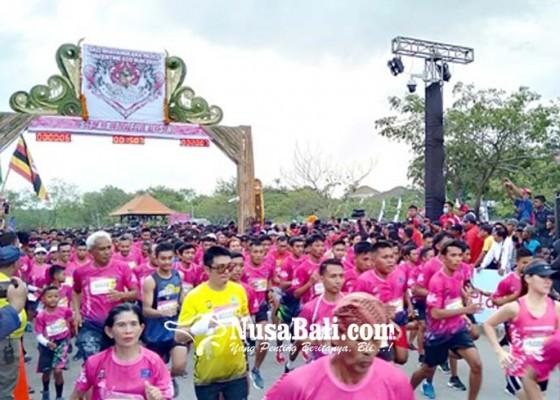 Nusabali.com - 6000-an-pelari-ikuti-bali-bhayangkara-valentine-run