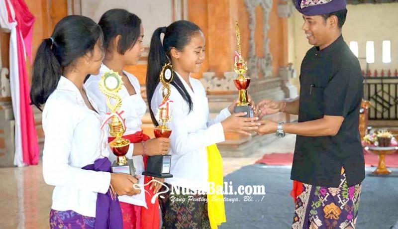 www.nusabali.com-perayaan-bulan-bahasa-bali-disemarakkan-siswa-sd-hingga-pkk