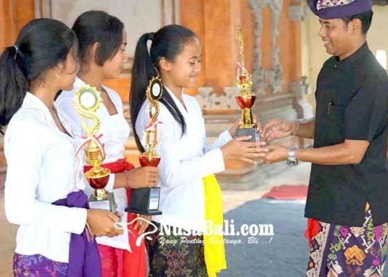 Nusabali.com - perayaan-bulan-bahasa-bali-disemarakkan-siswa-sd-hingga-pkk