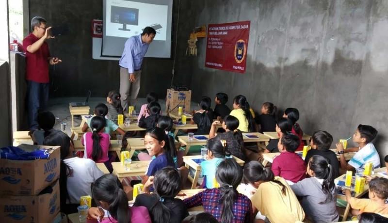 www.nusabali.com-stiki-peduli-perkenalkan-teknologi-pada-anak-usia-dini