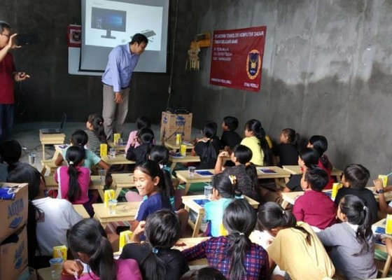 Nusabali.com - stiki-peduli-perkenalkan-teknologi-pada-anak-usia-dini