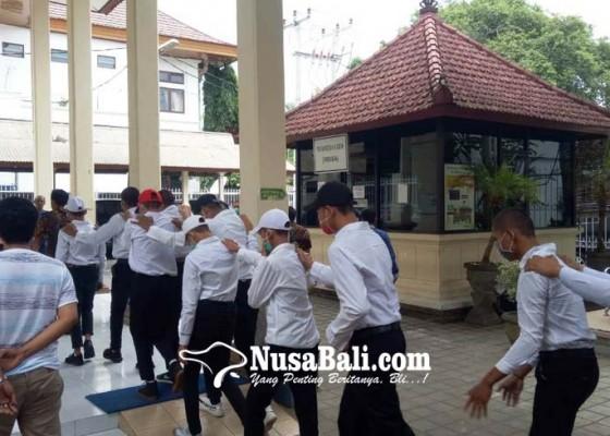 Nusabali.com - 15-anggota-geng-donky-dituntut-bervariasi