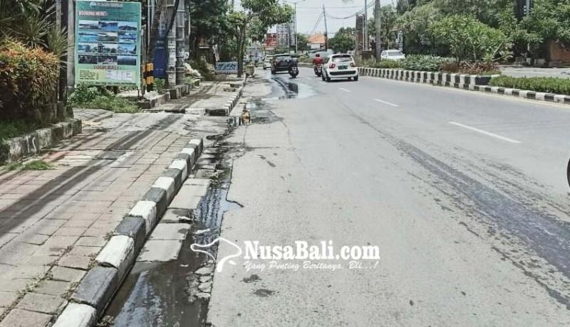 www.nusabali.com-pipa-pdam-bocor-air-meluber-ke-jalan