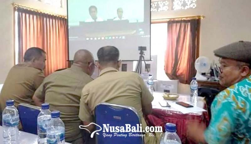 www.nusabali.com-perbekel-tampaksiring-diteleconfrence-menteri-desa