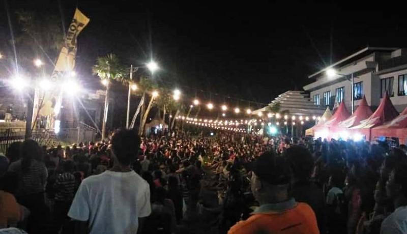 www.nusabali.com-warga-padati-acara-hiburan-di-acm-rambutsiwi-saat-galungan